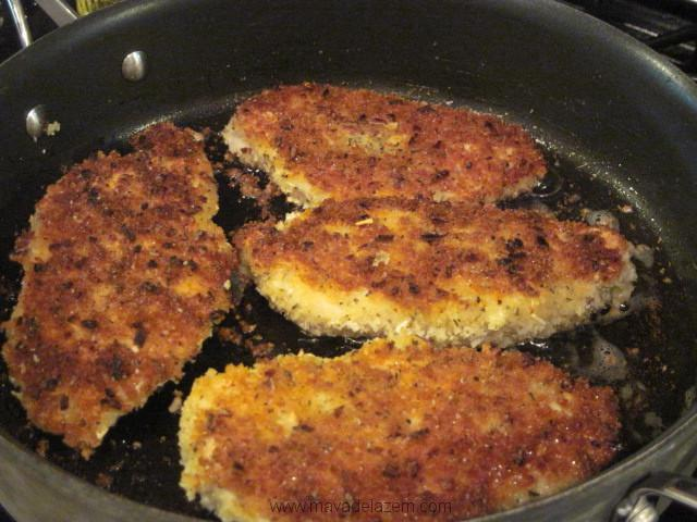 مرغهای آماده را سرخ می کنیم