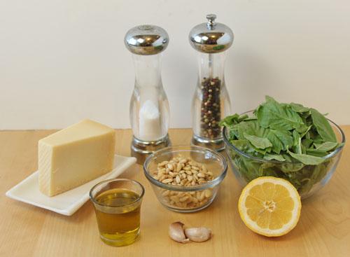 مواد لازم برای طرز تهیه سس پستو با پنیر پارمسان